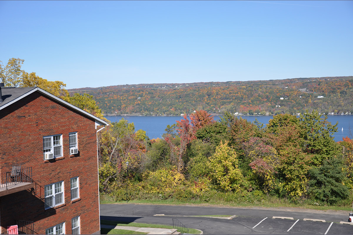 Candlewyck park apartments amenities for Ithaca college garden apartments